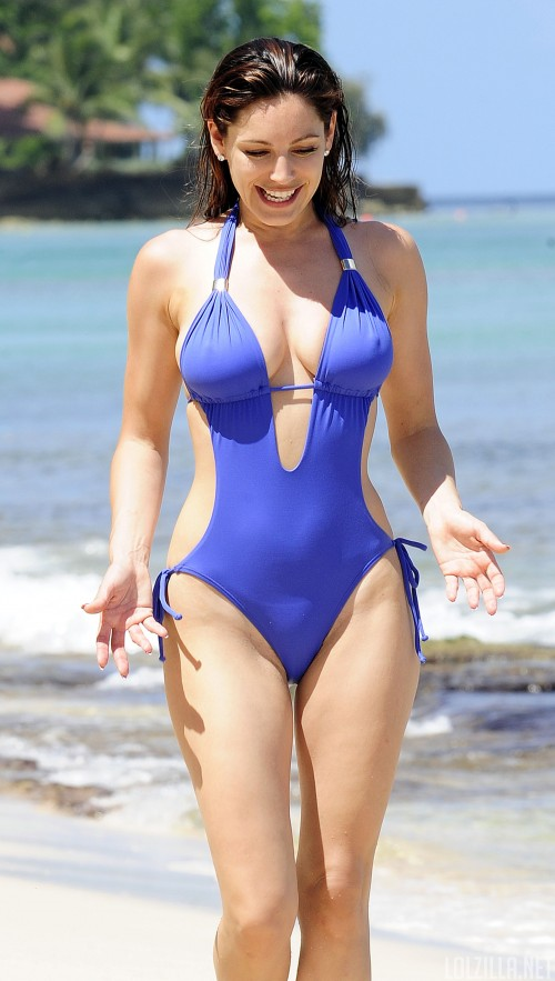 51479_Kelly_Brook_On_The_Beach_In_Barbados.10_HQ_009_122_570lo30aaa.jpg