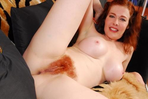 very-hairy-redhead-pussy.jpg